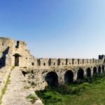 Kalaja dhe plazhi i Bashtoves pastrohet dhe pergatitet per sezonin veror