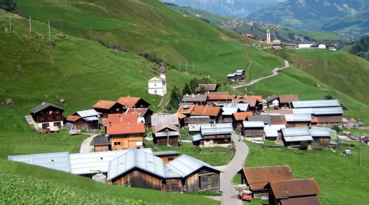 Ja si i fton Zvicra turistët në vendin e tyre me këtë gjetje gjeniale!