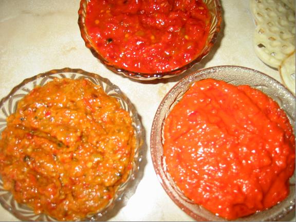 Ajvar me Speca dhe Patëllxhanë – receta gatimi shqiptare