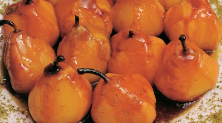 Ëmbëlsirë me dardhë – receta gatimi